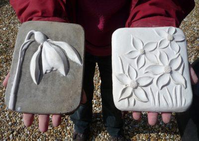 Flower Plaques, grey and white ciment fondu