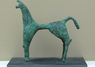Etruscan Horse, ciment fondu with slate base (43 x 43cm)