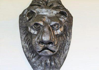 Lion Head (plaque: ciment fondu)